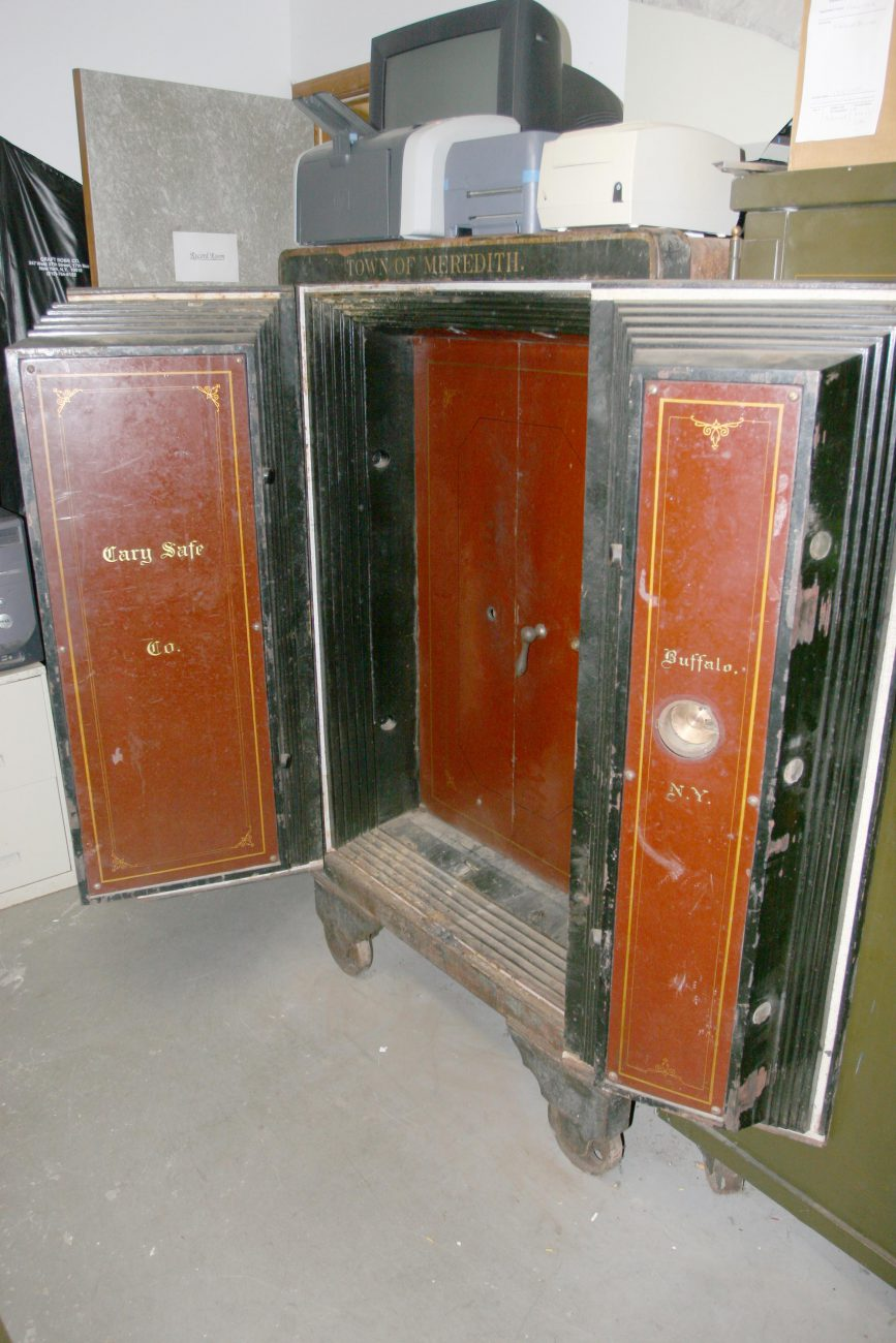 Bisbee Safe Acquired by Meredith Historical Society